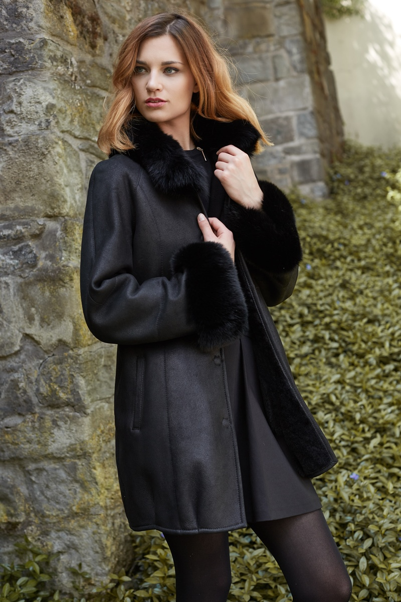 Sheepskin coat 1271 with fox edging Colour black